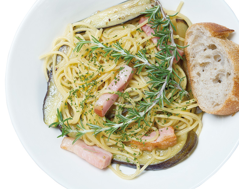 茄子とベーコンのローズマリーオイルスパゲッティ